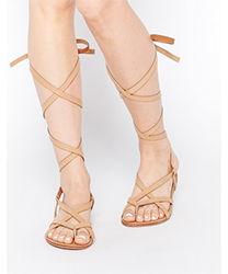 gladiator sandalen die r mersandalen sind wieder modern. Black Bedroom Furniture Sets. Home Design Ideas